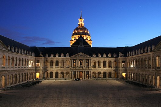 Honorary Courtyard by night animated since 2011 by the spectacle « Night at Les Invalides  (French: la Nuit aux Invalides) ».