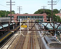 Larchmont Station jeh.JPG
