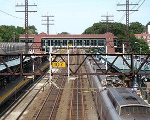Larchmont (Metro-North station) - Northbound train