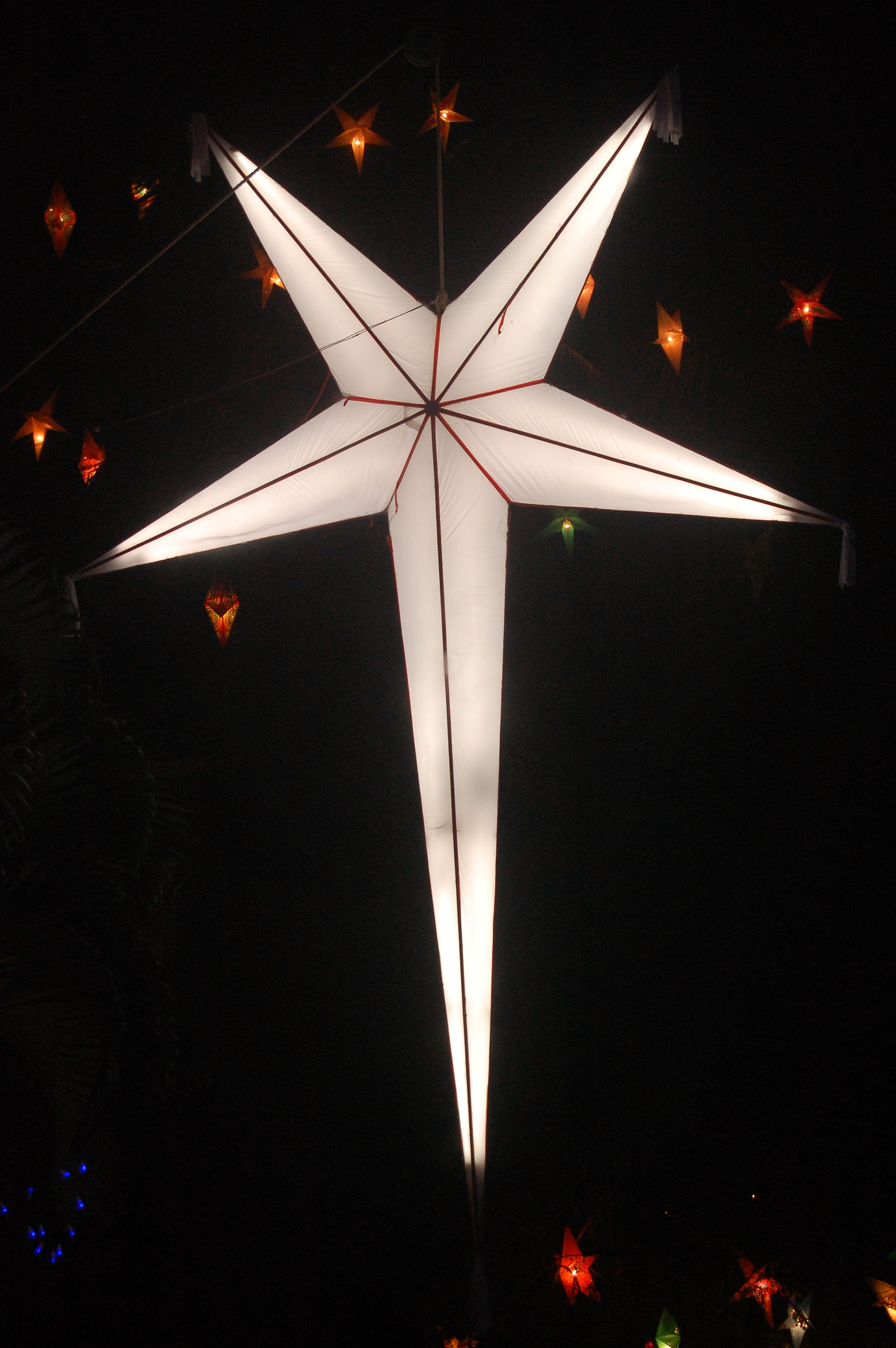 how to build a large outdoor christmas star