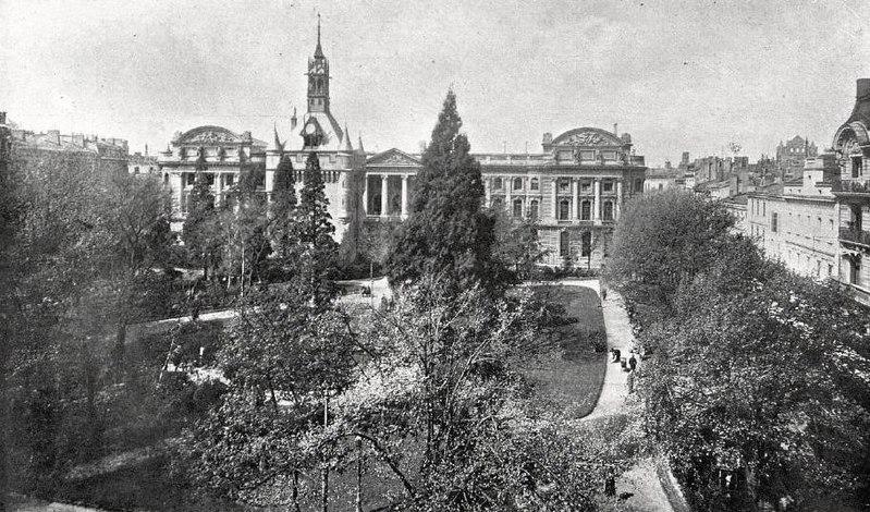 File:Le square du Capitole, en 1926.jpg