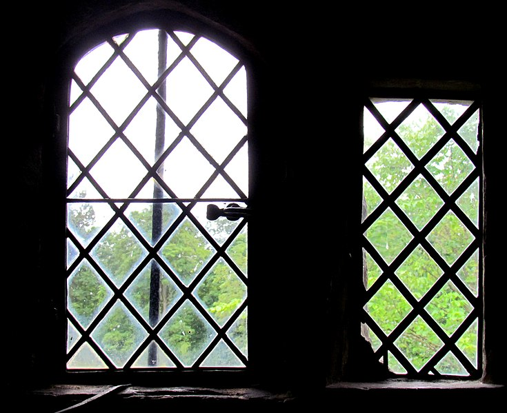 File:Leaded Windows (7856000490).jpg