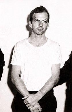 Lee Harvey Oswald 1963.jpg