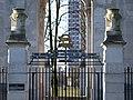 Leicester War Memorial gate.jpg