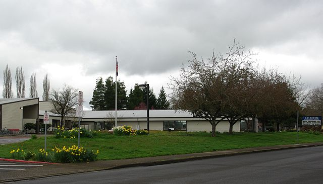 File:Lenox Elementary School - Rock Creek, Oregon.JPG ...