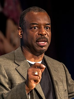Levar Burton, Disney Social Media Moms Conference 2014, 1-crop.jpg