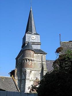 Macquigny clocher fortifié 1.jpg
