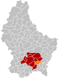 Map of Luxembourg with Contern highlighted in orange, the district in dark grey, and the canton in dark red