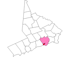 Southport (red), shown within the town of Fairfield (pink), and Fairfield County (white)