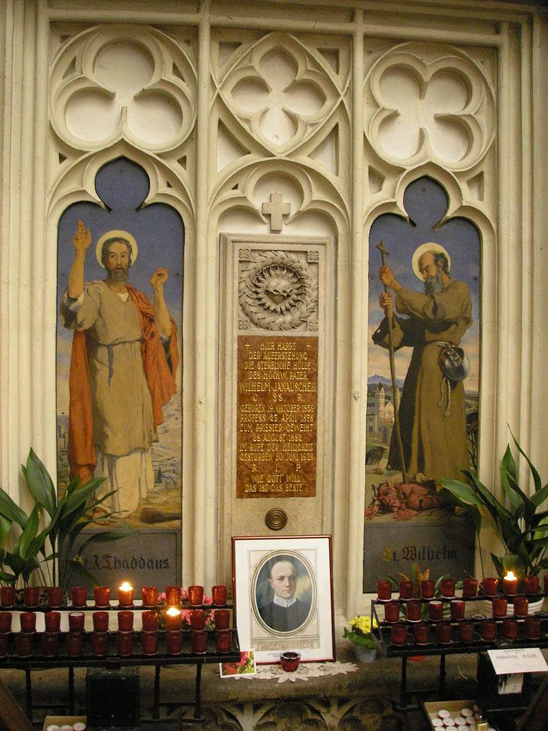 Maria am Gestade interior, Vienna 8.jpg