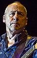 Mark Knopfler-01 (cropped).jpg