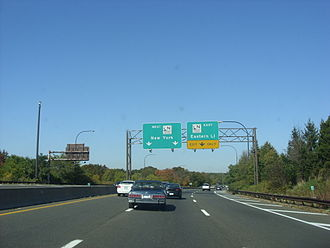 Meadowbrook State Parkway - The Meadowbrook northbound approaching the interchange with the Northern State Parkway, scene of a lawsuit in 1989