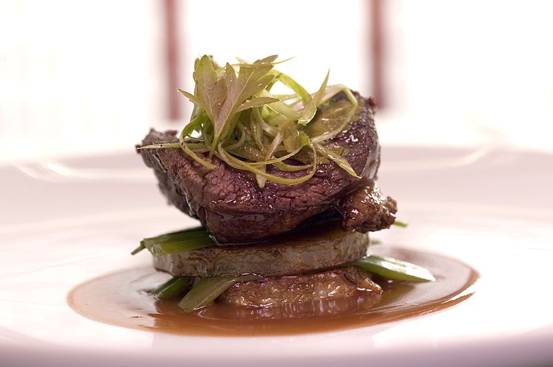 File:Meat filet presentation.jpg