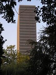 Medienfassade (Bayer-Hochhaus)