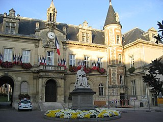 Melun Prefecture and commune in Île-de-France, France
