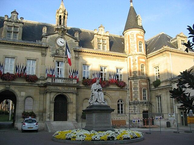 Hotel Saint Ouen L Aumone Premi Ef Bf Bdre Clabe