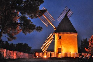 Langlade, Gard - Cavalier windmill at Langlade