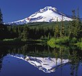 Mount Hood reflected in Mirror Lake, Oregon (cropped).jpg