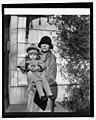 Mrs. Longworth & Paulina, (2-12-27) LCCN2016842877.jpg