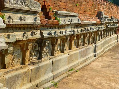 Nalanda - 048 Close up of Wall (9250658787).jpg