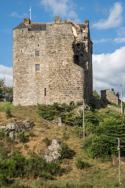Neidpath Castle 2014 1.jpg