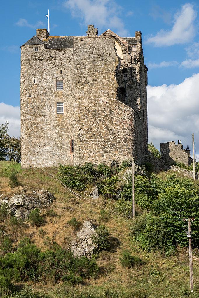 Portrait shot of Neidpath Castle