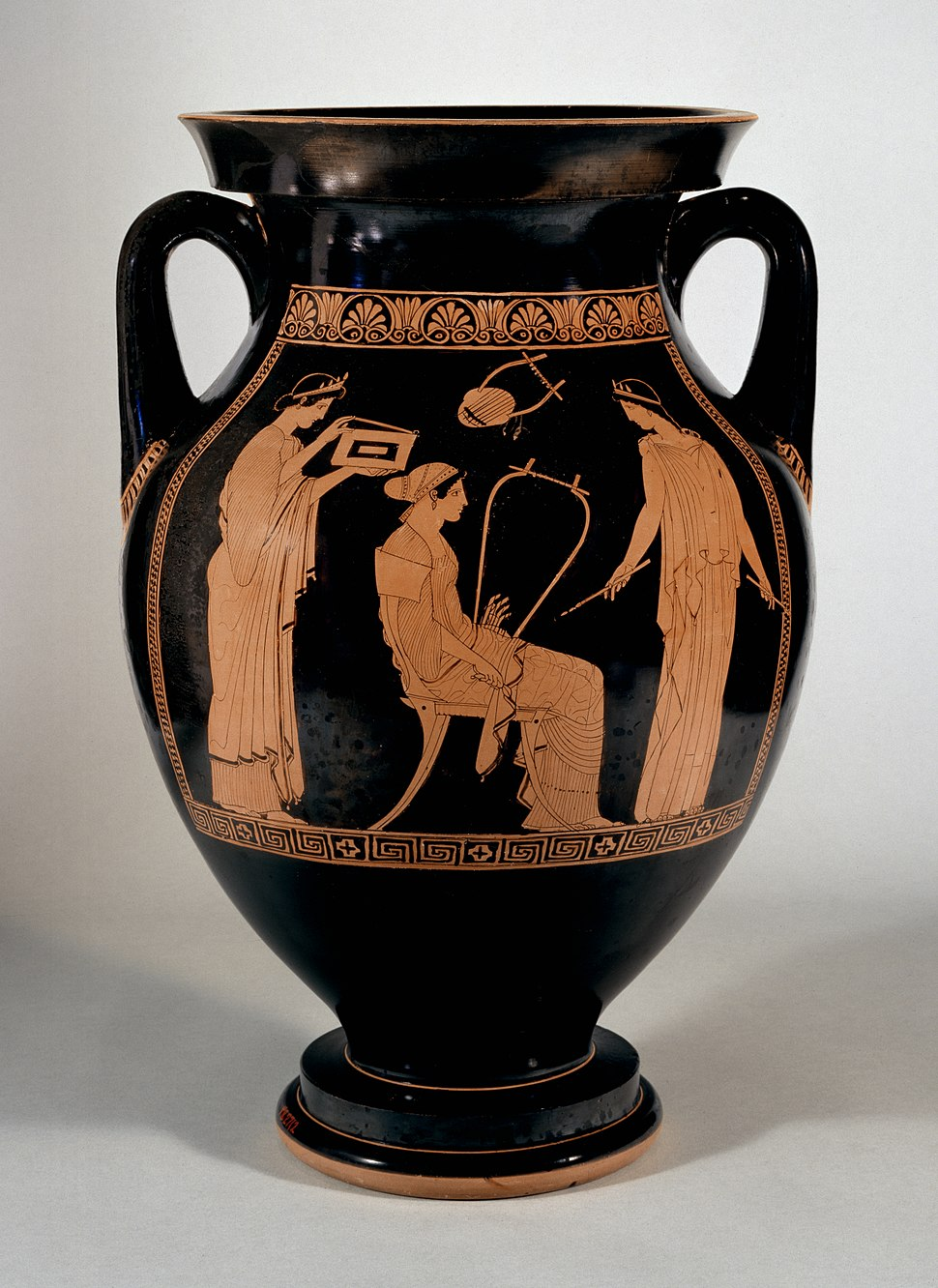 Niobid Painter - Red-Figure Amphora with Musical Scene - Walters 482712 - Side A
