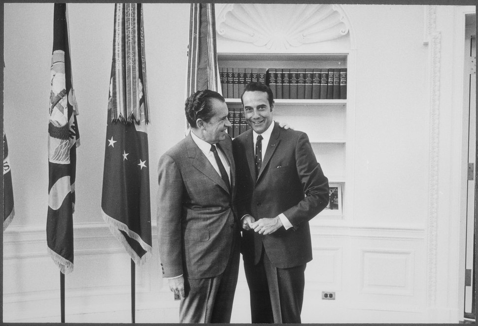 Nixon with Robert Dole - NARA - 194643