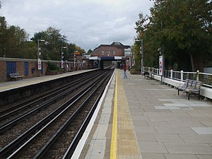 Northwood Hills tube station - Image: Northwood Hills stn look west