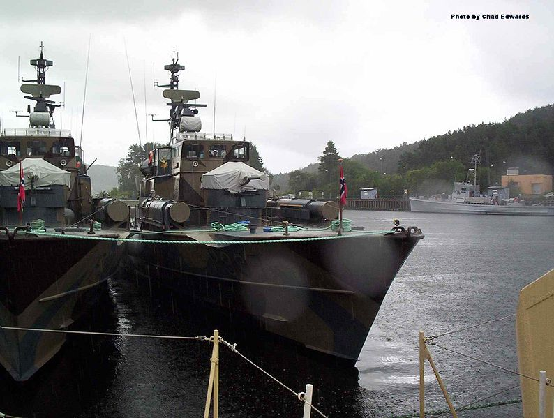PATROUILLEURS LANCE-MISSILES CLASSE SKJOLD 794px-Norwegian_Hauk_class_MTB_in_Bergen
