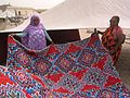 Nouakchott-Présentation d'une doublure de khaïma.jpg