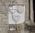 Odos Ippoton, palazzo d'alvernia, stemma di helion de villeneuve.JPG