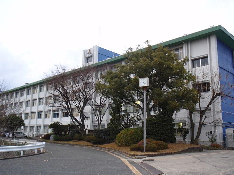 File:Osaka Prefectural Nagao High School.JPG