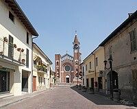 Ossago Lodigiano - piazza della Chiesa.jpg