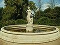Ostromecko-fontanna-studzienka w ogrodzie włoskim.JPG