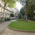 P1330753 Paris V rue du Val-de-Grace n7-9 batiments jardin rwk.jpg