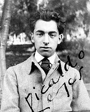 Foto del giovane Neruda, in cui si firma «Ricardo Reyes»