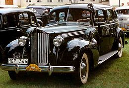 Packard 1701 Eight Touring Sedan 1939.jpg