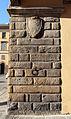 Palazzo Cocchi-Serristori, ext. 06 stemma.JPG
