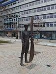Pardubice, socha Jana Kašpara (1).jpg