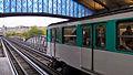 Paris Metro Bir-Hakeim Station, 8 October 2011 001.jpg