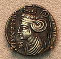 Partia, musa, madre e moglie di fraataces, dracma, 2 ac-4 dc ca.JPG
