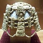 Parure rituelle népalaise.jpg