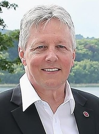 2011 United Kingdom local elections - Peter Robinson