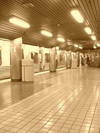 11th Street station (SEPTA) - Image: Philadelphia's 11th street subway station