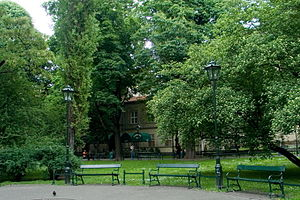 Planty Park - Walkway with benches under trees