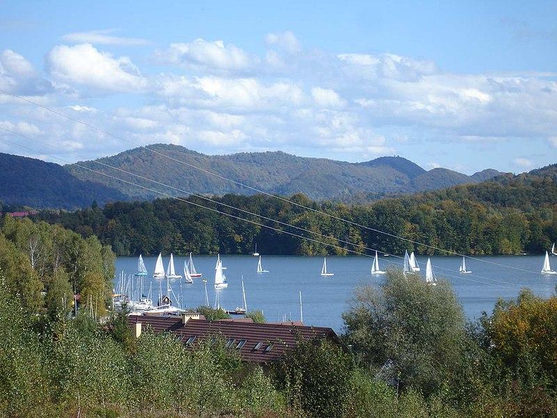 Plik:Polańczyk Solina lake.jpg