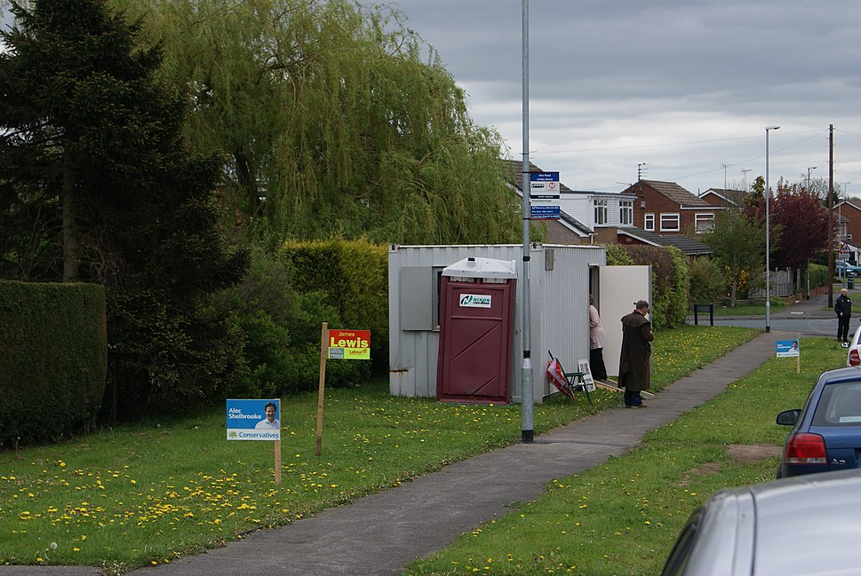 Polling station on Aire Road in Wetherby, West Yorkshire (6th May 2010)