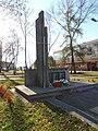 Pomnik ofiar egzekucji w Kurowie w 1944.JPG