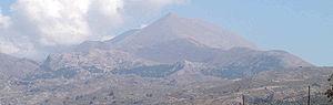 Πανοραμική άποψη από δυτικά. Διακρίνεται η κορυφή Στολίστρα.